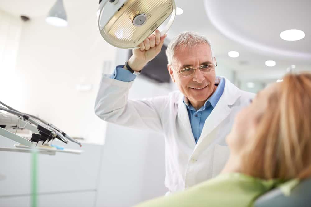 Patient-visitng-for-a-dental-consultation
